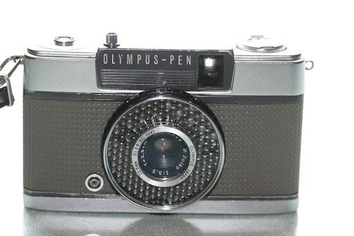 Olympus PENEE (half frame)