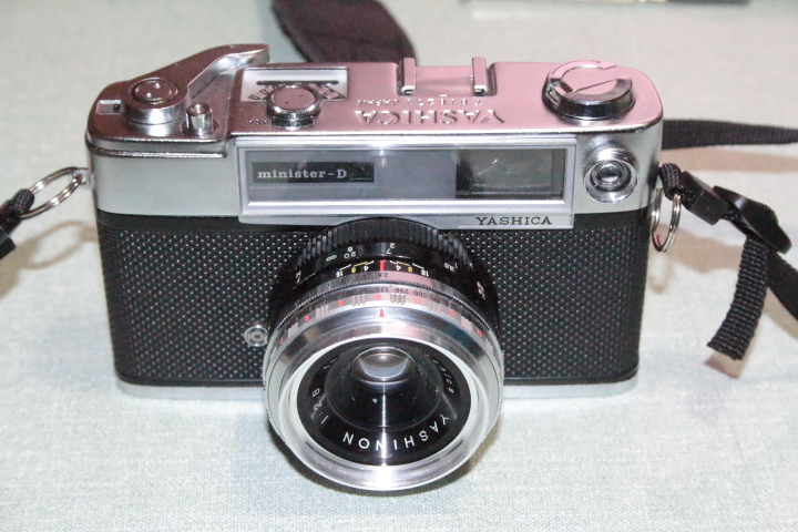 Yashica Minister D - John's Cameras.