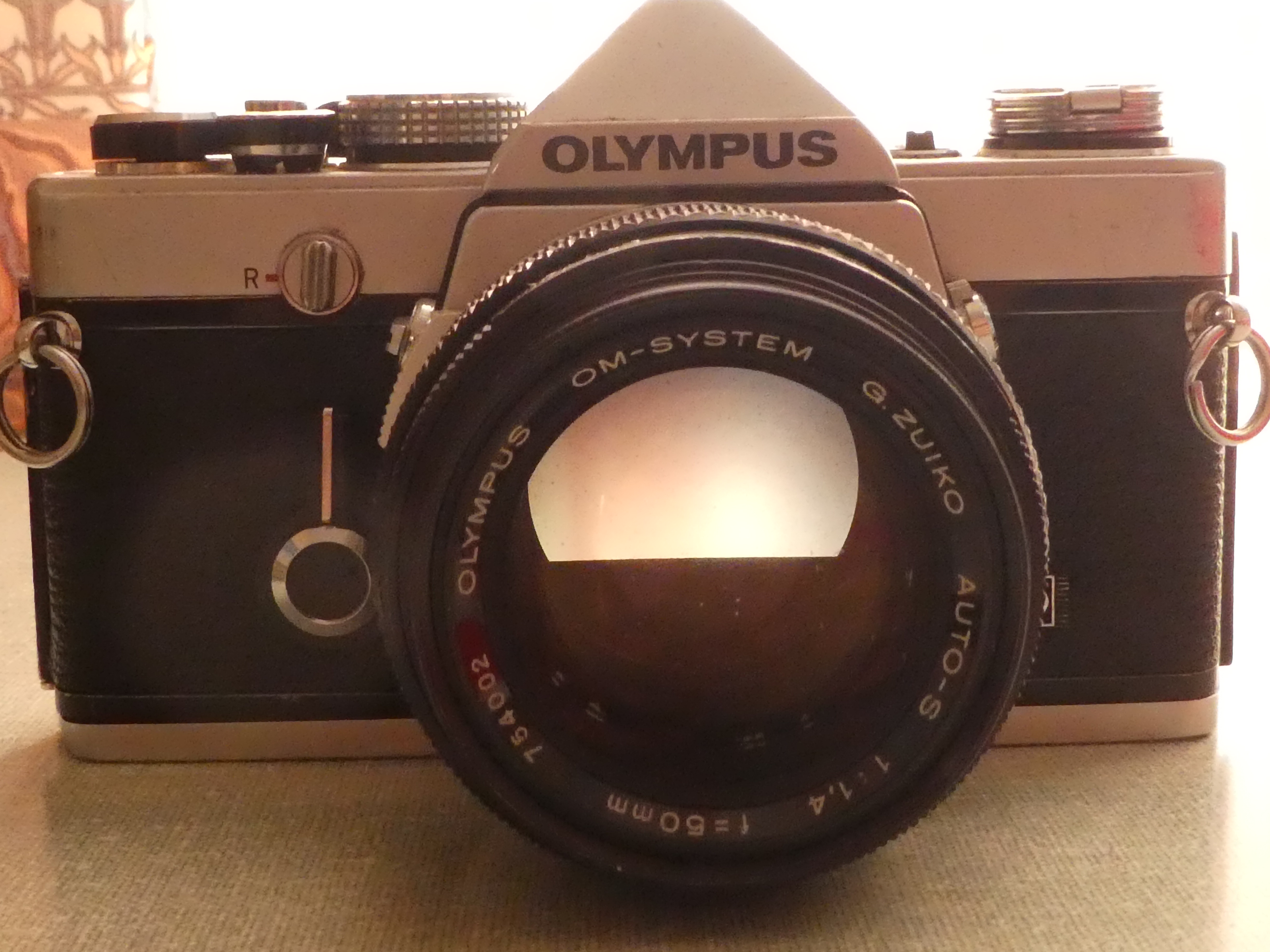 Olympus Om1n Johns Cameras Off If You Tip The Camera Over This Fully Exposes Flash Circuit