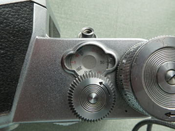 Pentacon F shutter speed set to fast