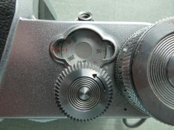 Pentacon F shutter speed set to slow